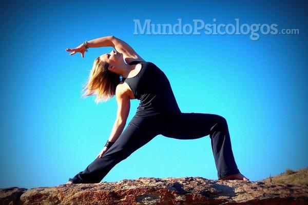 Veinte minutos de yoga para mantener en forma el cerebro