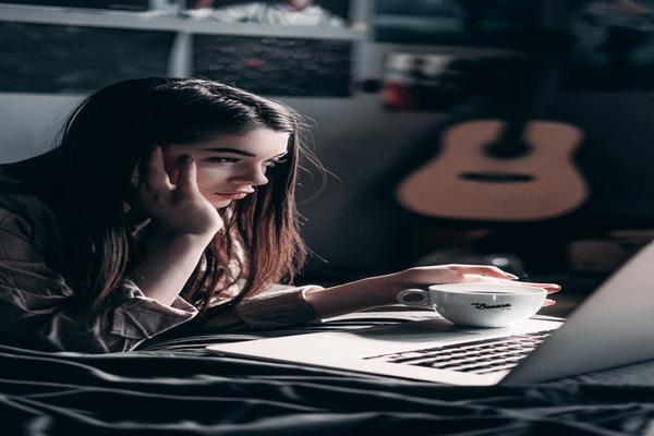 ¿Cómo es una terapia psicológica online?