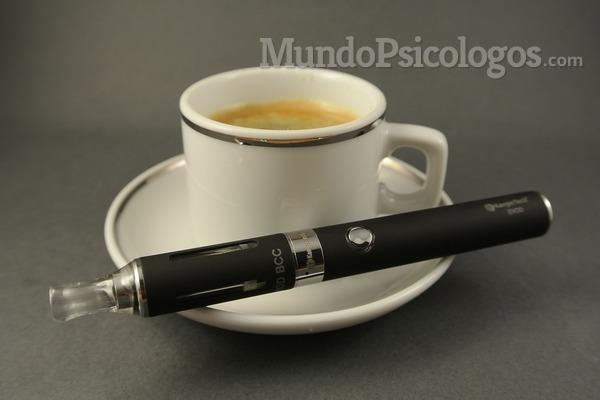 ¿Es útil el cigarrillo electrónico para dejar de fumar?