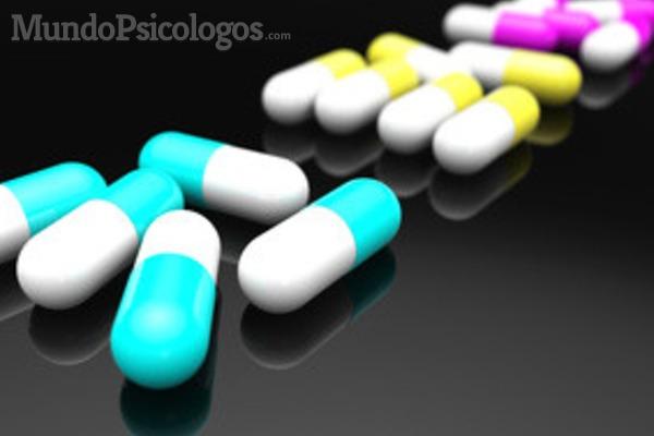 Muchos enfermos se automedican y acaban convirtiéndose en adictos a las pastillas.