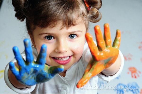 Los niños deben aprender por sí mismos, sin prisas y sin límites estrictos. Foto de CEP Roda.