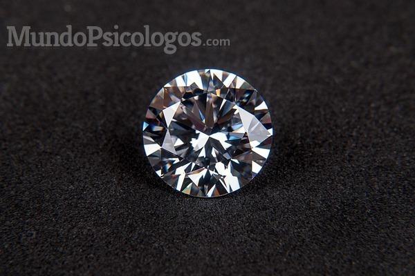 ¿Eres una piedra o un diamante?