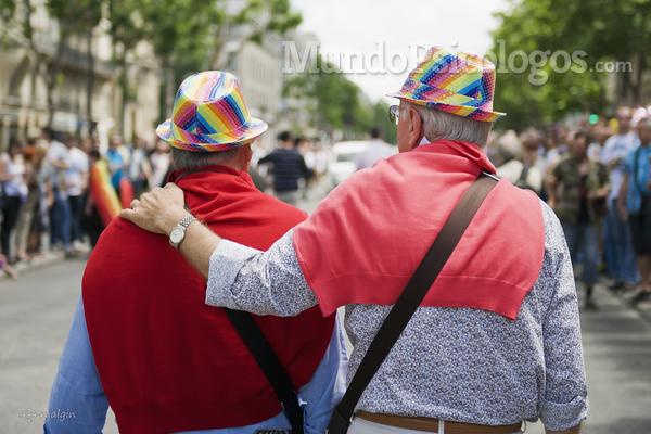 Ser anciano y gay: una doble discriminación