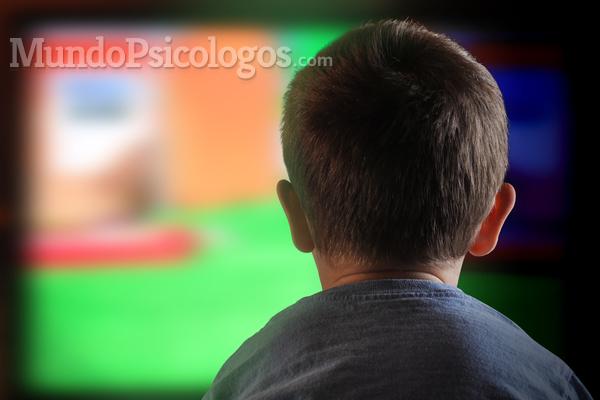 ¿A qué edad deben empezar a ver los niños la televisión?