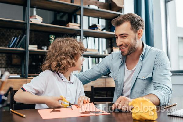 Padres y madres generadores de autoestima en sus hijos/as