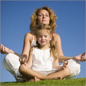 madre-y-nic3b1a-meditando.jpg